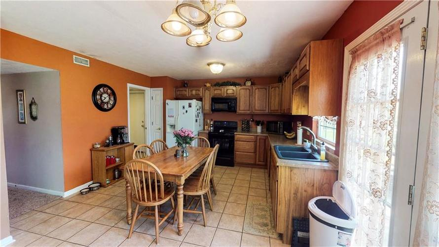 6391 E Old Otto Court South Camby, IN 46113 | MLS 21645955 | photo 6