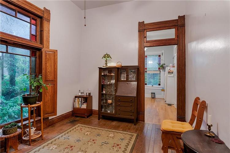 2221 NOWLAND Avenue Indianapolis, IN 46201 | MLS 21646031 | photo 12