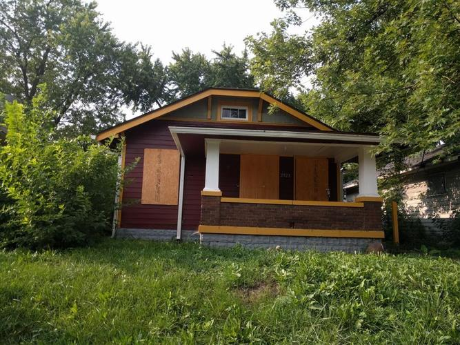 2523 E 18th Street Indianapolis, IN 46218 | MLS 21646104