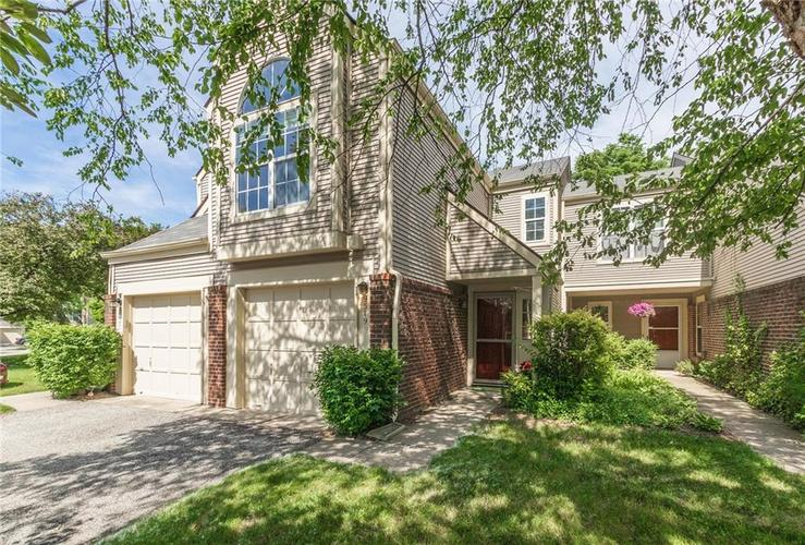9519 Aberdare Drive Indianapolis IN 46250 | MLS 21646142 | photo 1
