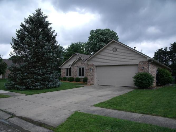221 Pinnacle Lane Plainfield, IN 46168 | MLS 21646164 | photo 1