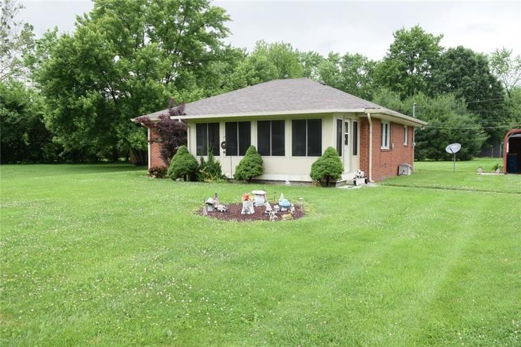 5430 W Mooresville Road Indianapolis, IN 46221 | MLS 21646197 | photo 1