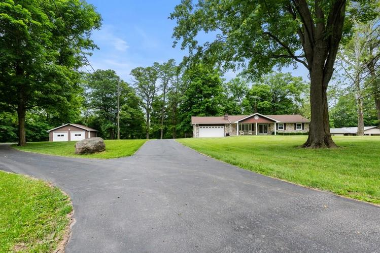 10900 E Hills And Dales Drive Selma, IN 47383   MLS 21646201   photo 3