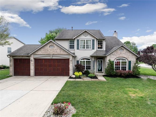 5347 Creekbend Drive Carmel, IN 46033 | MLS 21646247 | photo 1