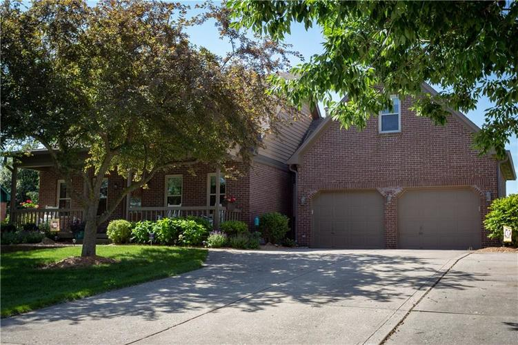 193 Park Forest N Drive Whiteland, IN 46184 | MLS 21646259 | photo 1
