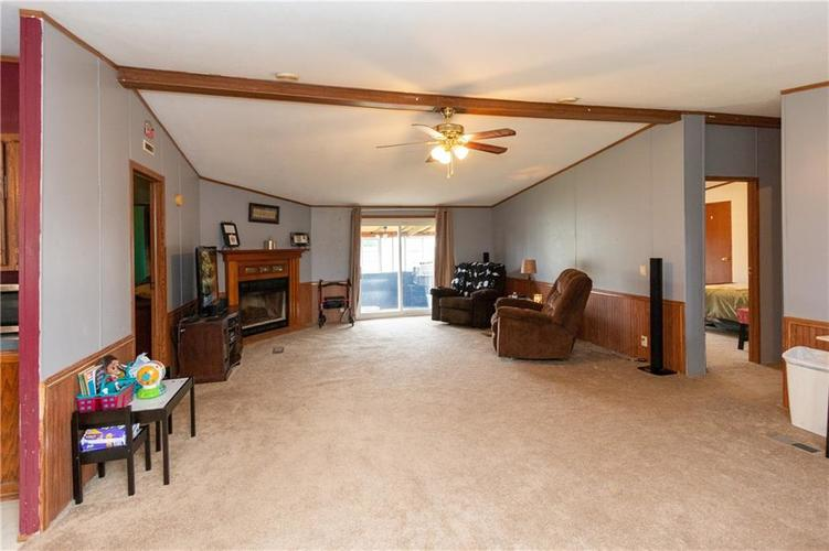 000 Confidential Ave.Seymour, IN 47274 | MLS 21646285 | photo 4