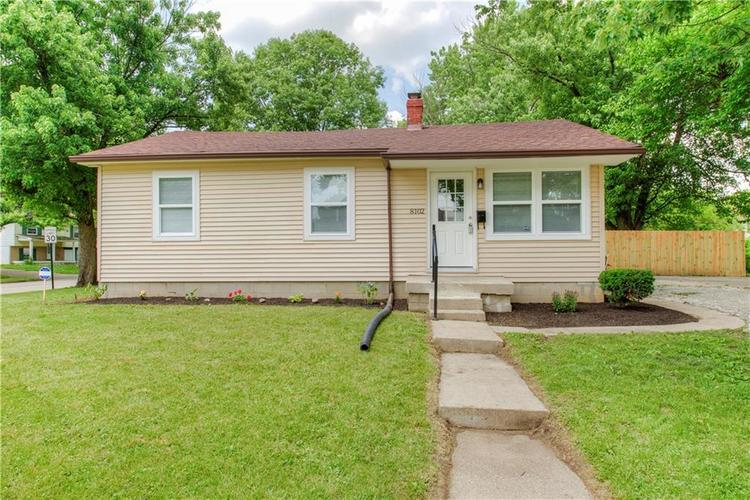 8302 E 34TH Street Indianapolis, IN 46226 | MLS 21646315 | photo 1