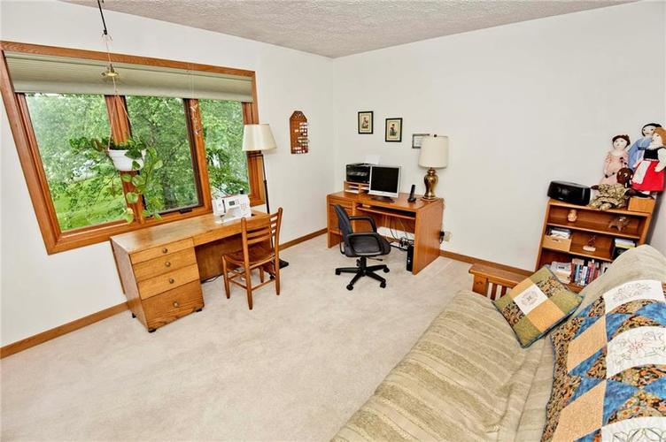 10803 Lakeview Drive Carmel, IN 46033 | MLS 21646326 | photo 12