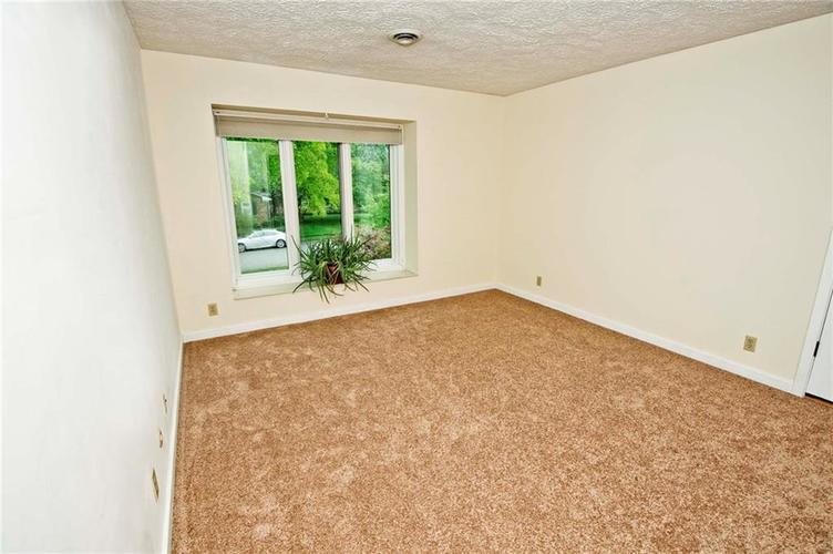 10803 Lakeview Drive Carmel, IN 46033 | MLS 21646326 | photo 13