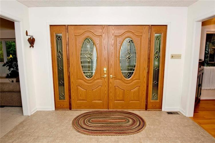 10803 Lakeview Drive Carmel, IN 46033 | MLS 21646326 | photo 20