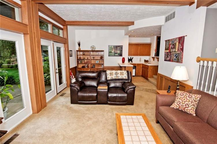 10803 Lakeview Drive Carmel, IN 46033 | MLS 21646326 | photo 21