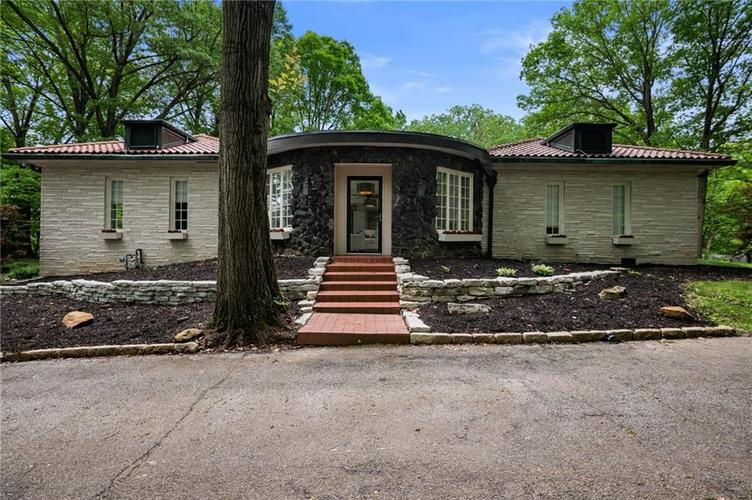 6225 Hillcrest Lane Indianapolis, IN 46220 | MLS 21646430 | photo 1