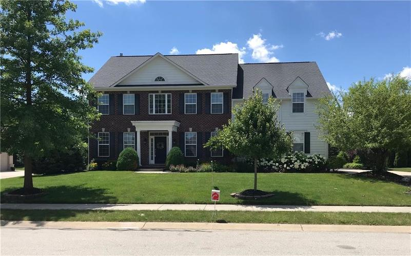 16450 Chalet Circle Westfield, IN 46074   MLS 21646532   photo 1
