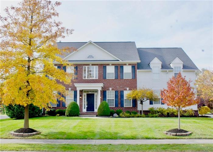 16450 Chalet Circle Westfield, IN 46074 | MLS 21646532 | photo 1