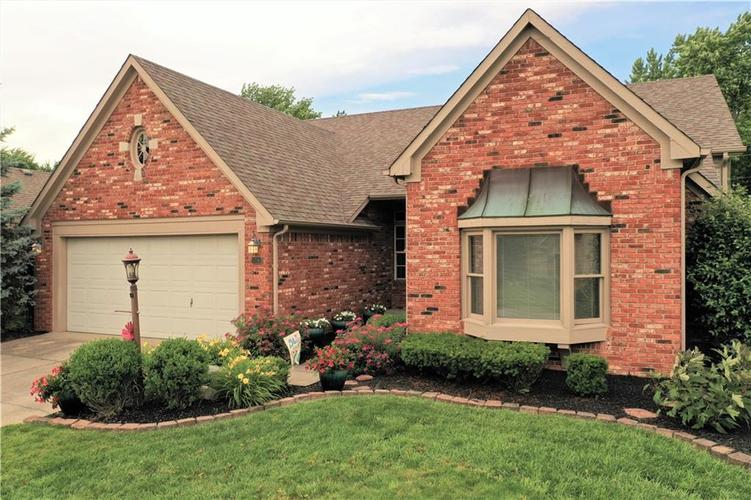 4740 Common View Circle Indianapolis, IN 46220 | MLS 21646692 | photo 1