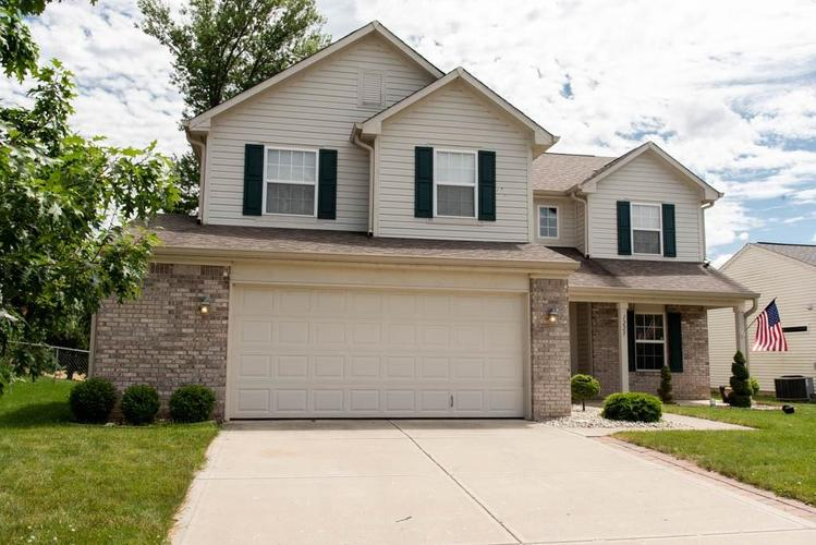 1225 Fiesta Drive Franklin, IN 46131 | MLS 21646805 | photo 1
