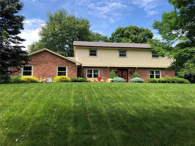 7050 KINGSWOOD Circle Indianapolis, IN 46256 | MLS 21646855 | photo 1