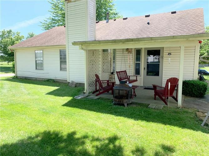 177 Independence Road Greenfield, IN 46140 | MLS 21646861 | photo 2