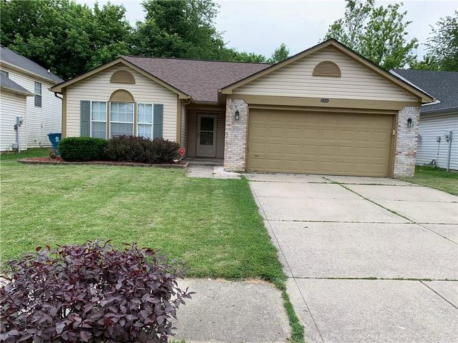 8408 Country Club Boulevard Indianapolis, IN 46234 | MLS 21646872 | photo 1