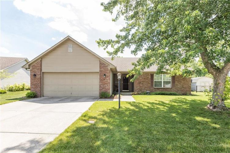 129 Brooks Bend Brownsburg, IN 46112 | MLS 21646948 | photo 1