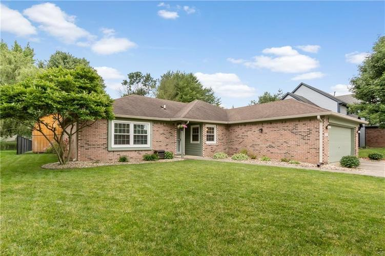 8528 Spend A Buck Drive Indianapolis, IN 46217   MLS 21646963   photo 1
