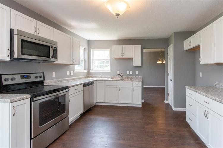 10634 YOUNG LAKE Drive Indianapolis, IN 46239 | MLS 21646992 | photo 2