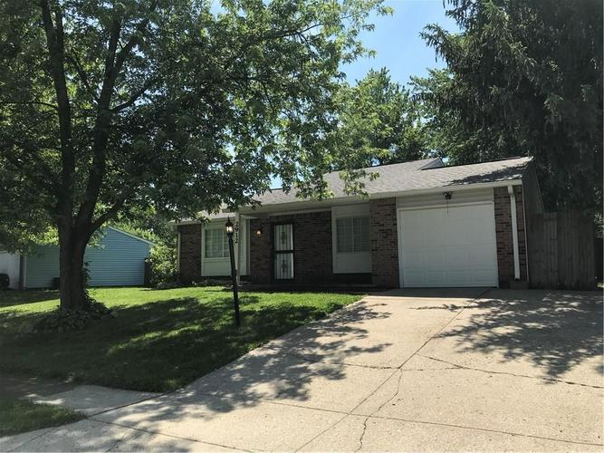 2912 Grassy Creek Drive Indianapolis, IN 46229   MLS 21647009   photo 2
