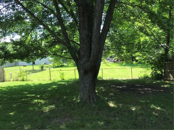 2912 Grassy Creek Drive Indianapolis, IN 46229   MLS 21647009   photo 4