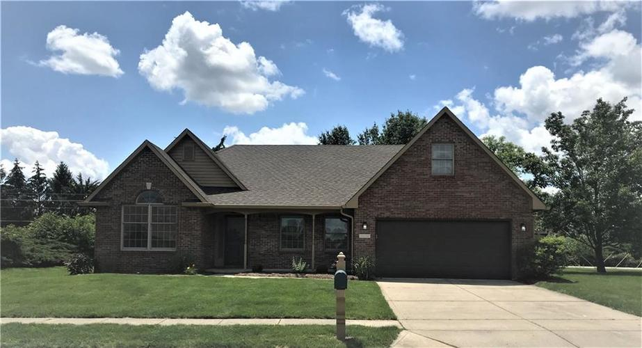 6284 Woodcrest Drive Avon, IN 46123 | MLS 21647017 | photo 1