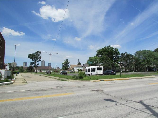 1146 S Kenwood Avenue Indianapolis, IN 46225 | MLS 21647030 | photo 14