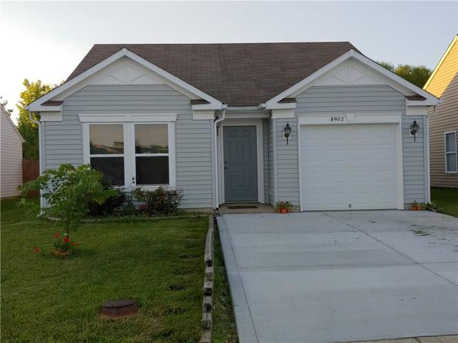 8902 Hosta Camby, IN 46113 | MLS 21647035 | photo 1