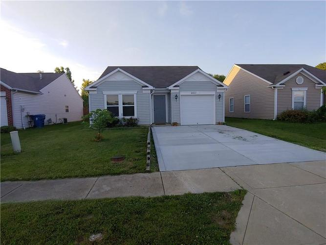 8902 Hosta Camby, IN 46113 | MLS 21647035 | photo 2