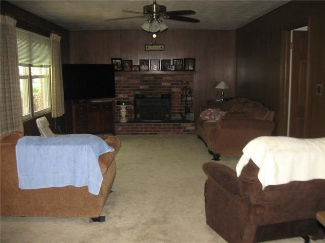 830 Greenlee Court Indianapolis, IN 46234   MLS 21647042   photo 4