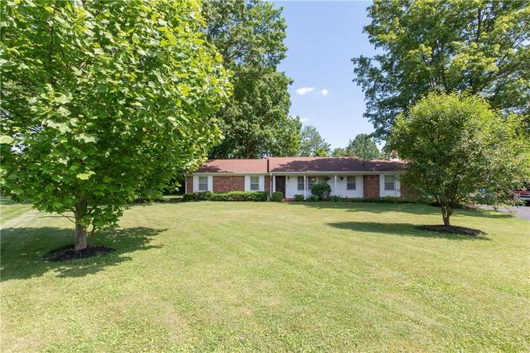5221  LAUREL HALL Drive Indianapolis, IN 46226 | MLS 21647064