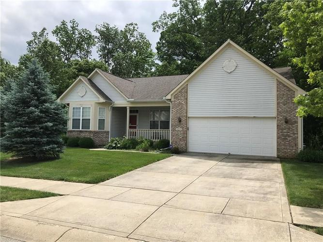 289  BEAR HOLLOW Way Indianapolis, IN 46229 | MLS 21647095