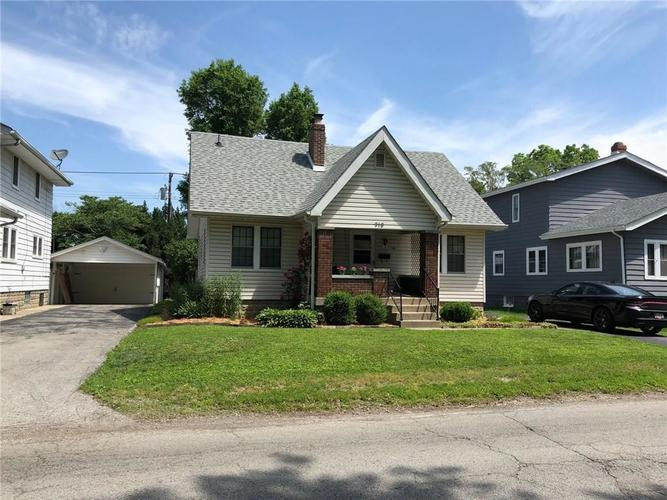 918 E Mills Avenue Indianapolis, IN 46227 | MLS 21647108