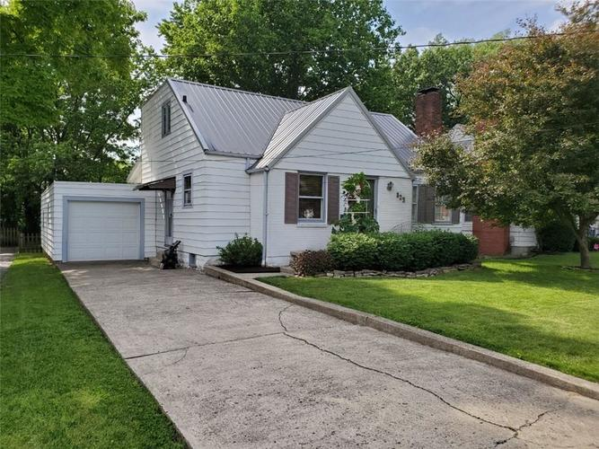 823 Myers Street Anderson, IN 46012 | MLS 21647123 | photo 1