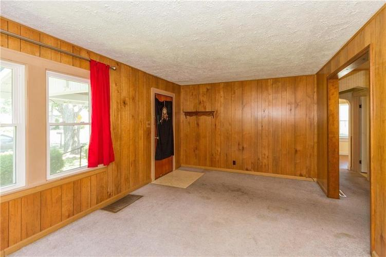12109 Broadway Street Indianapolis, IN 46236 | MLS 21647126 | photo 2