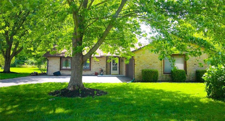 550 Nuthatch Drive Zionsville, IN 46077 | MLS 21647145 | photo 1