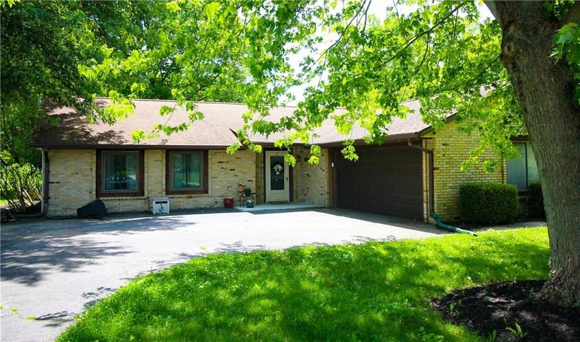 550 Nuthatch Drive Zionsville, IN 46077 | MLS 21647145 | photo 2