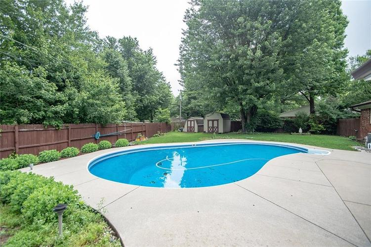 11330 Indian Creek Road Indianapolis, IN 46236 | MLS 21647186 | photo 10