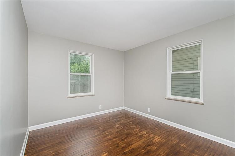 6124 ROSSLYN Avenue Indianapolis, IN 46220 | MLS 21647189 | photo 12