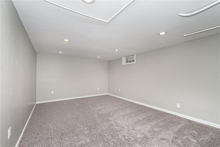 6124 ROSSLYN Avenue Indianapolis, IN 46220 | MLS 21647189 | photo 21