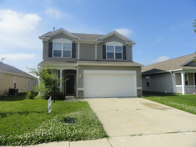 649 ROCKY MEADOWS Drive Greenwood, IN 46143 | MLS 21647260 | photo 1