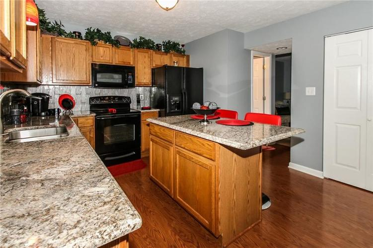 6050 HONEYWELL Drive Indianapolis, IN 46236   MLS 21647540   photo 7