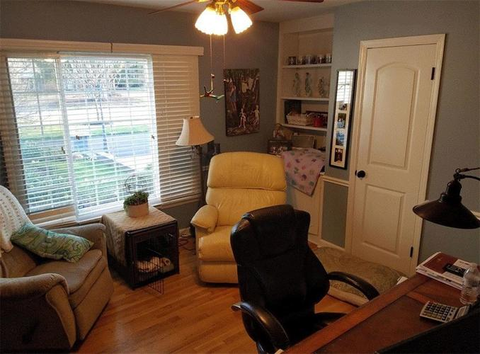 211 PINE Drive Indianapolis, IN 46260 | MLS 21647548 | photo 15
