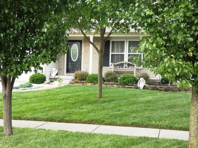 7931 Arvada Place Indianapolis, IN 46236 | MLS 21647555 | photo 2