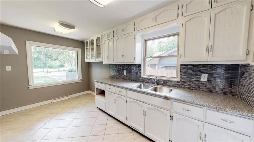 4126 E Pleasant Run Parkway North Drive Indianapolis, IN 46201 | MLS 21647601 | photo 16