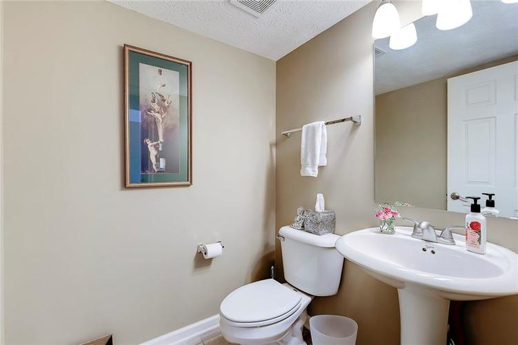 1041 3rd Avenue NW Carmel, IN 46032 | MLS 21647680 | photo 12