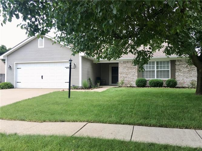 8002 SUGAR BERRY Court Indianapolis, IN 46236 | MLS 21647741 | photo 2